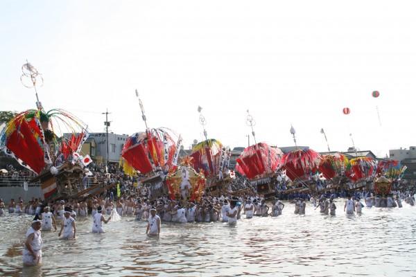川渡り神幸祭